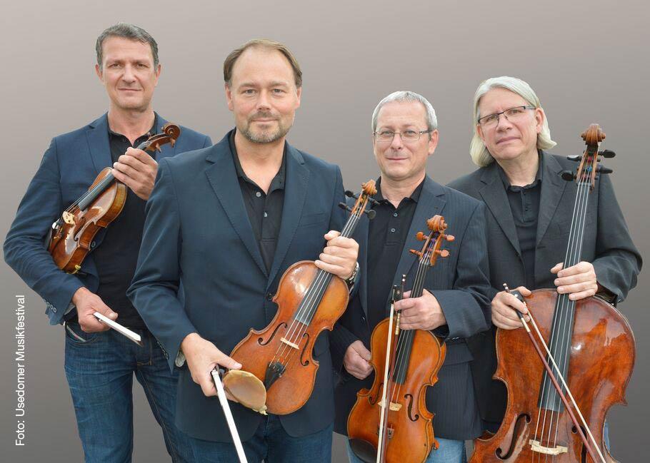 Musiker des Leipziger Streichquartetts, die zwei deutsche und zwei litauische Komponisten sozusagen im Quartett präsentieren.